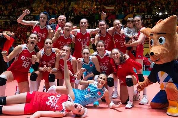 Almanya'yı yenen A Milli Kadın Voleybol takımımız, olimpiyatlara gitmeye hak kazandı