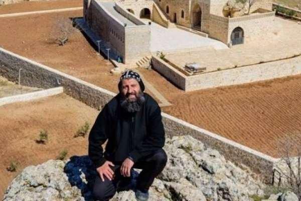Süryani Rahip, PKK'ye yardım ve yataklık etme suçundan tutuklandı