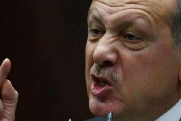 """""""Erdoğan, masaya vurup Jandarma Genel Komutanı'na 'Kes ulan' diye bağırdı"""""""