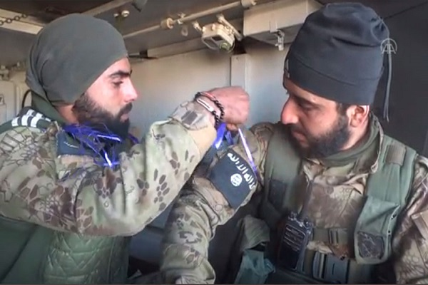 AA yayınlayıp kaldırdı: ÖSO'cular IŞİD armasıyla sahada