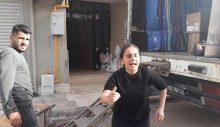 Şehirden taşınmaya çalışan şüphelinin ailesine, Gülistan Doku'nun ablası engel oldu!