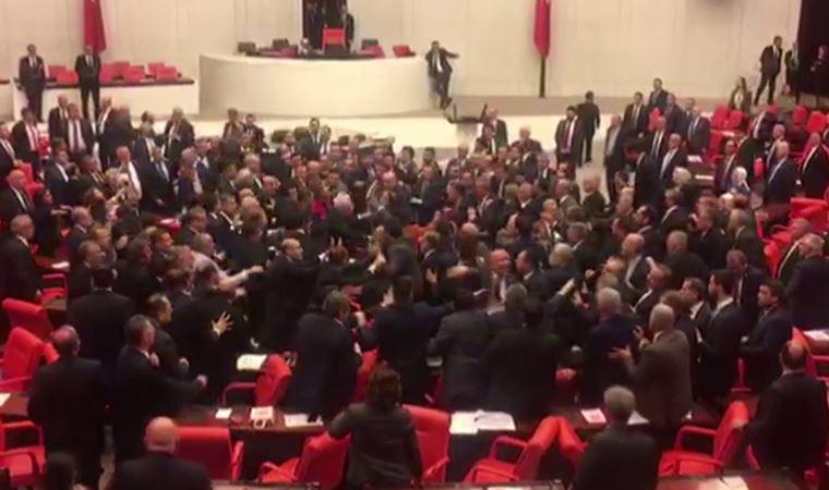 CHP'li Özkoç'un Erdoğan ile ilgili sözleri soruşturma ve Meclis'te yumruk yumruğa kavga getirdi