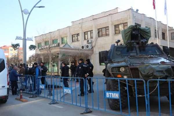 Koronalı günlerde de iktidarın hedefi HDP: Beş belediye başkanı gözaltında