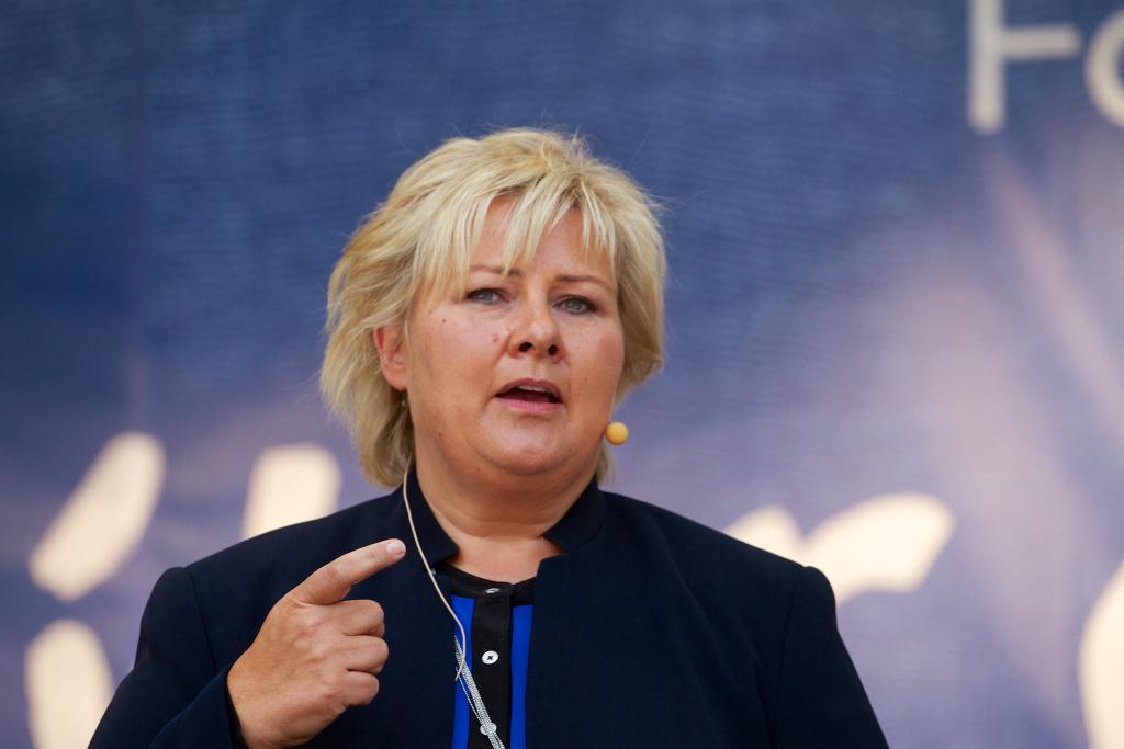 Norveç Başbakanı Erna Solberggirin