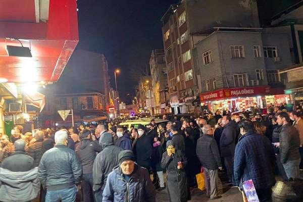 Dün alınan 'sokağa çıkma yasağı' kararı gece açıklanınca insanlar marketlere hücum etti