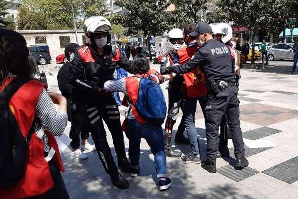 1 Mayıs eyleminde EHP'ye gözaltı! Parti Sözcüsü Özge Akman ile birlikte 11 kişi gözaltında!