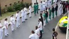 Brüksel'de Başbakan protesto edildi: Sağlıkçıların hepsi sırtını döndü
