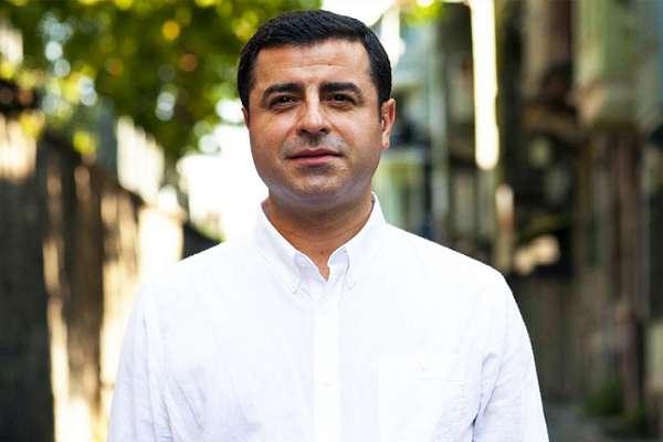 AYM, Demirtaş'ın uzun tutukluluk başvurusunda oy birliği ile ihlal kararı verdi!
