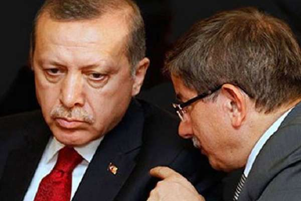 """Davutoğlu'ndan Erdoğan'a gözdağı: """"Üç gün konuşsak, üç ay nefes alamazlar"""""""