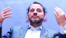 Böyle yağcılık görülmedi! Yandaş gazeteciden Albayrak'ı savunmak için 'bayrak' hamaseti