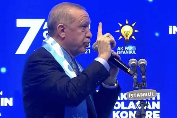 Yeni Akit yazarından AKP'ye: Dev projelerle kendi seçmeninizi ikna edemiyorsanız, sıkıntı büyük demektir