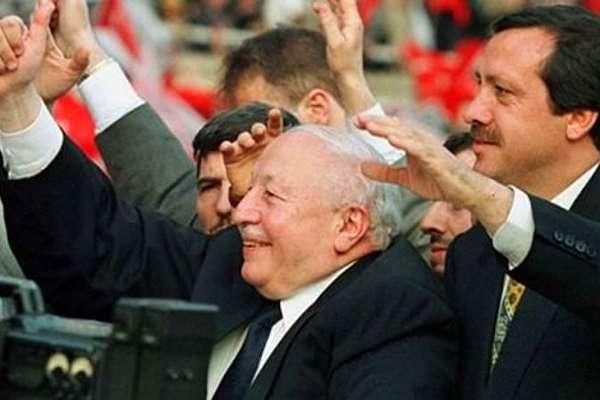 Levent Gültekin, muhalefeti eleştirerek Erbakan'ın aslında kim olduğunu yazdı!