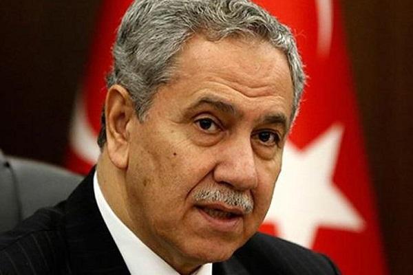 Bülent Arınç, Fehim Adak'ı anma töreninde AKP'yi topa tuttu