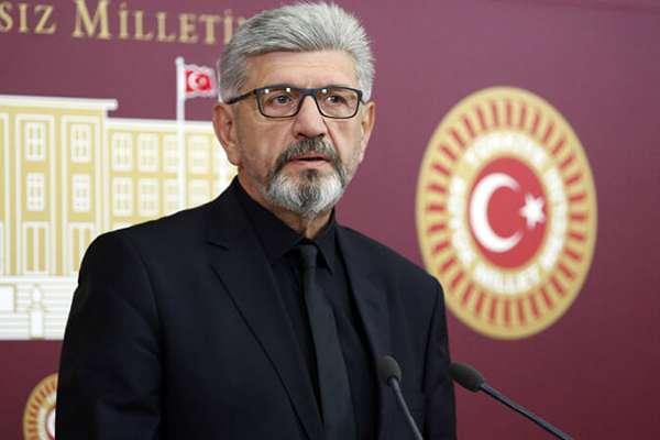 Saadet Partisi'nden istifa eden Cihangir İslam, CHP'ye katılıyor