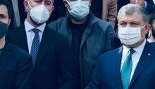 Yapıp yapıp 'özür' diler: Sağlık Bakanı Koca, cenazede resmen saklandı