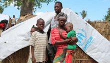 Mozambik'te IŞİD'e biat eden militanlar, annelerinin gözü önünde çocukların kafalarını kesiyor