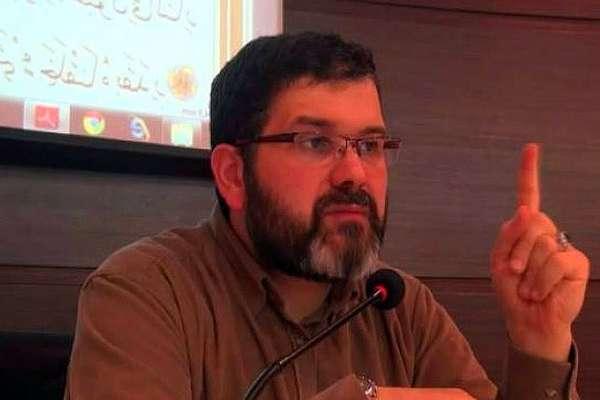 İlahiyatçı yazar Talha Hakan Alp 'deist' olduğunu açıkladı: 'Oturtamadığım birçok şey var'