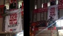 İstanbul'da CHP'nin afişlerine gece yarısı operasyonu!