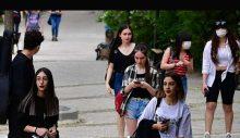 """AKP, 'Z kuşağının' peşinde: Yeni plan """"ilk kez oy kullanacakların aileleriyle temas edilecek"""""""