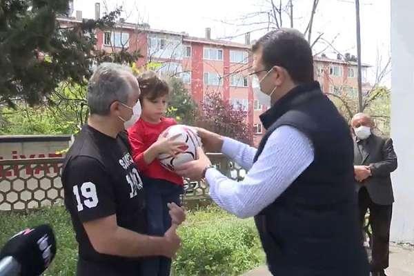 İBB Sözcüsü Ongun, A Haber'i tiye aldı: Ekrem İmamoğlu çocukların topunu zorla alıyor…