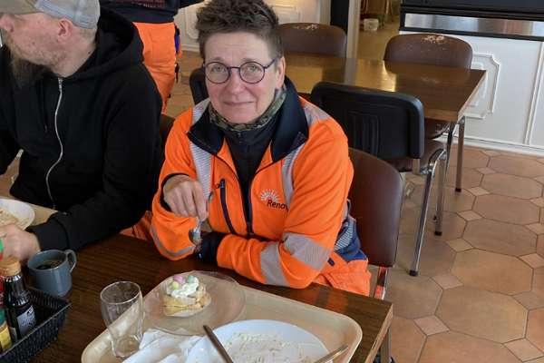 """Eski Göteburg belediye başkanı, siyasi kariyerini noktalayınca temizlik işçisi olarak çalışmaya başladı: """"Kirayı ödemek lazım"""""""