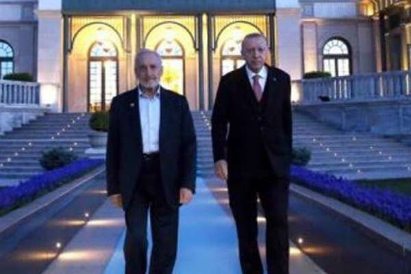 Bunlar hep maneviyat: Saadet Partisi'ni Cumhur İttifakı'na katmak isteyen Asiltürk, ihaleyi kapmış!