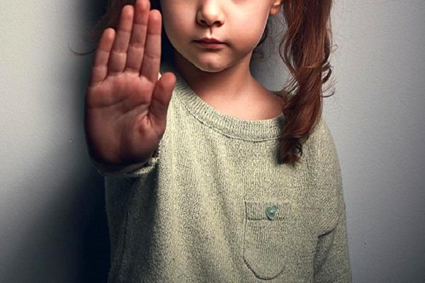 Kızının çıplak fotoğraflarını çeken baba beraat etti
