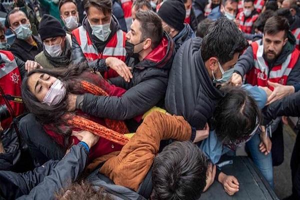 Burak Bilgehan Özpek: İktidar gidince, kamudakiler maaşlarını AKP'den almalı