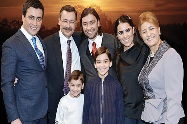 Akın İpek'ten Melih Gökçek'e: Misafirliğe gittiğin evi soyan şerefsiz bir aile olarak yaşamak…