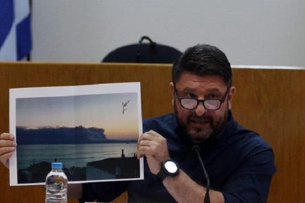 Yunan bakan, yangınlarla mücadelede başarısızlığını gözyaşları içinde kabul edip özür diledi