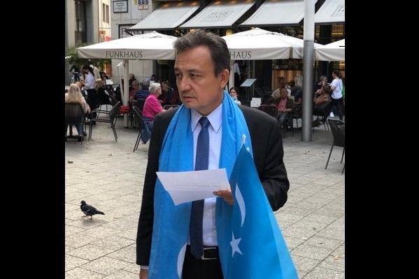 Dünya Uygur Kurultayı Başkanı Dolkun İsa, hasta ziyareti için geldiği Ankara'ya alınmadı
